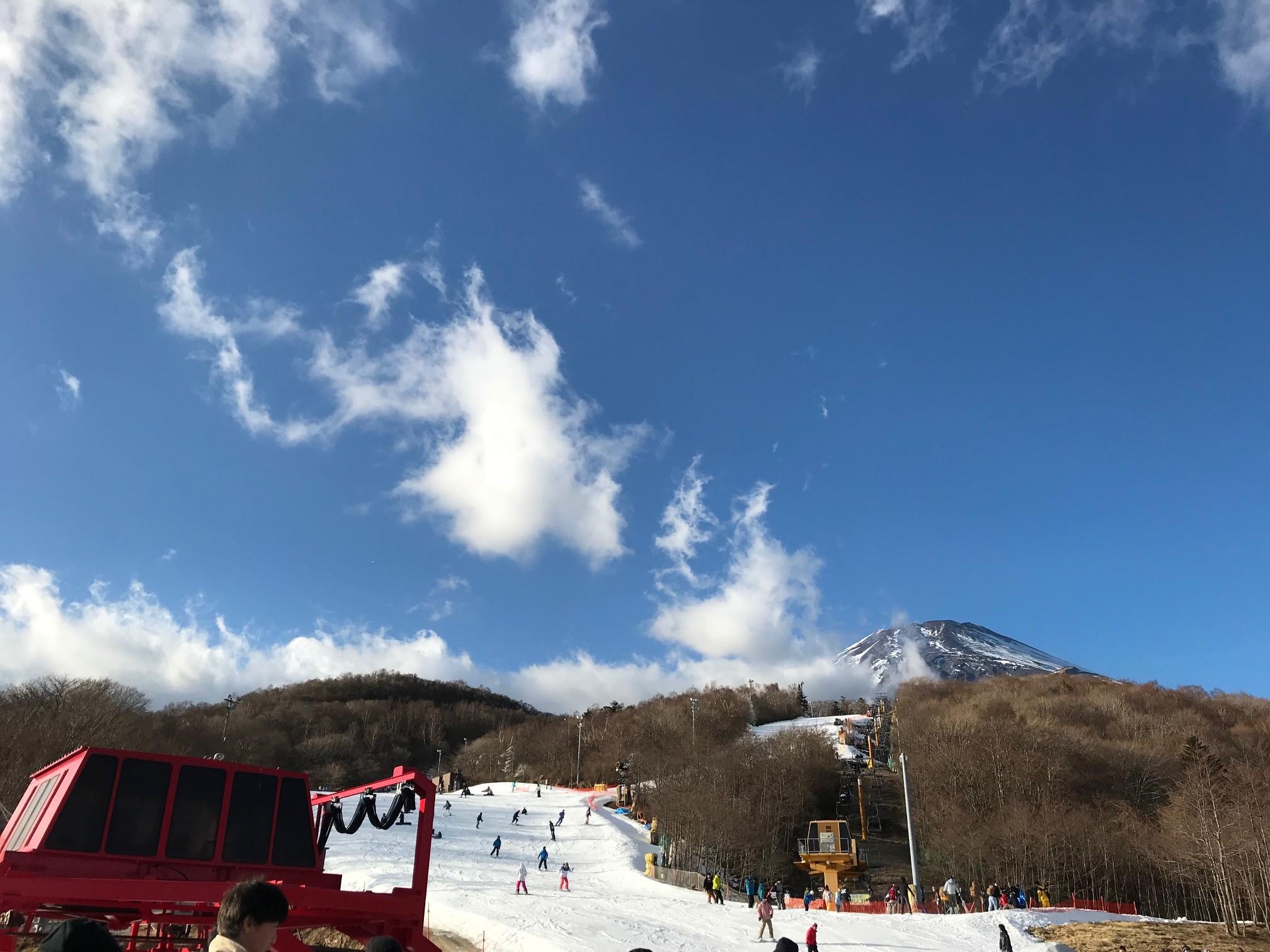 富士山二合目のスキー場